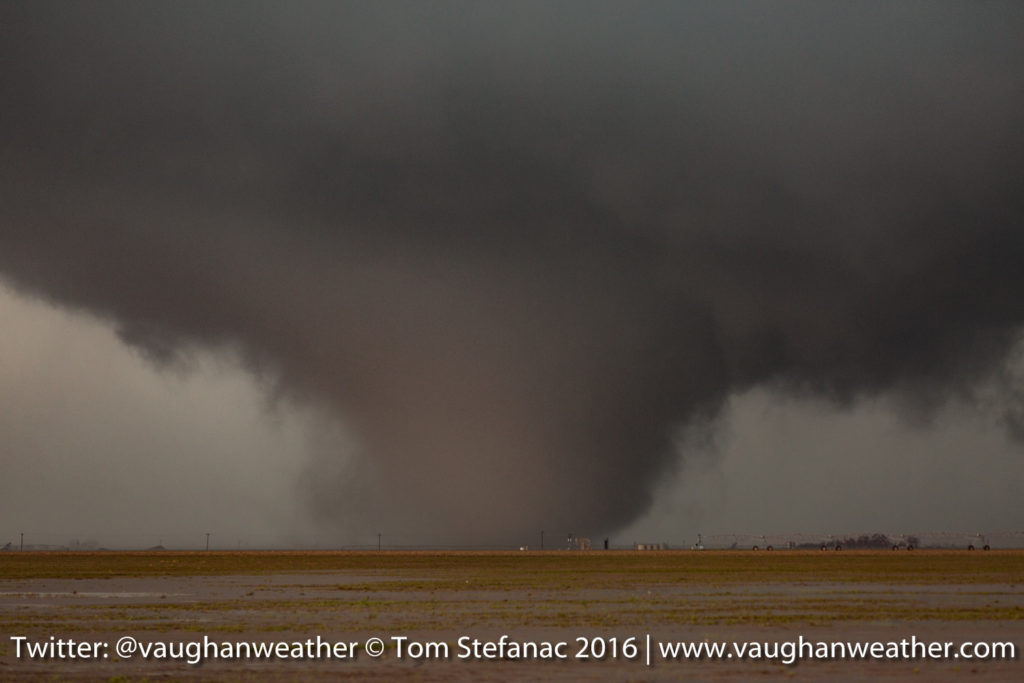 Large Tornado - Cone Tornado - Olchitree County Texas